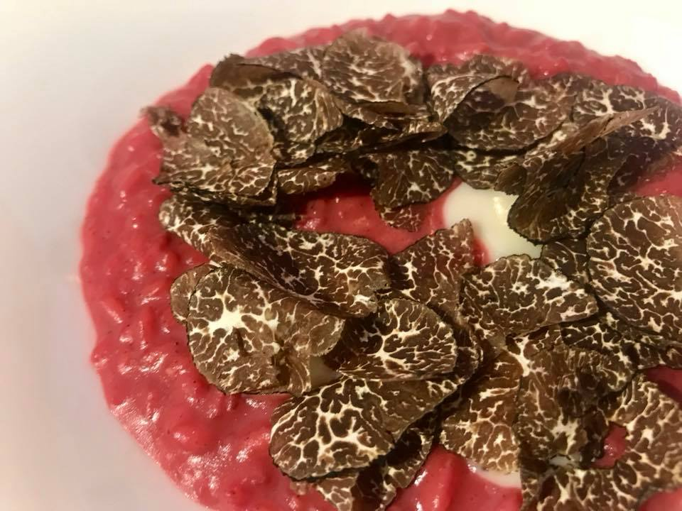 Massimo Carleo Home Restaurant Risotto con barbabietola, canestrato di Moliterno e tartufo uncinato