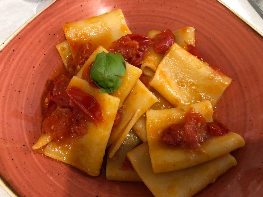 Agriturismo Il Raduno, Tramonti, Salerno, paccheri con pomodori Re Umberto o Re Fiascone