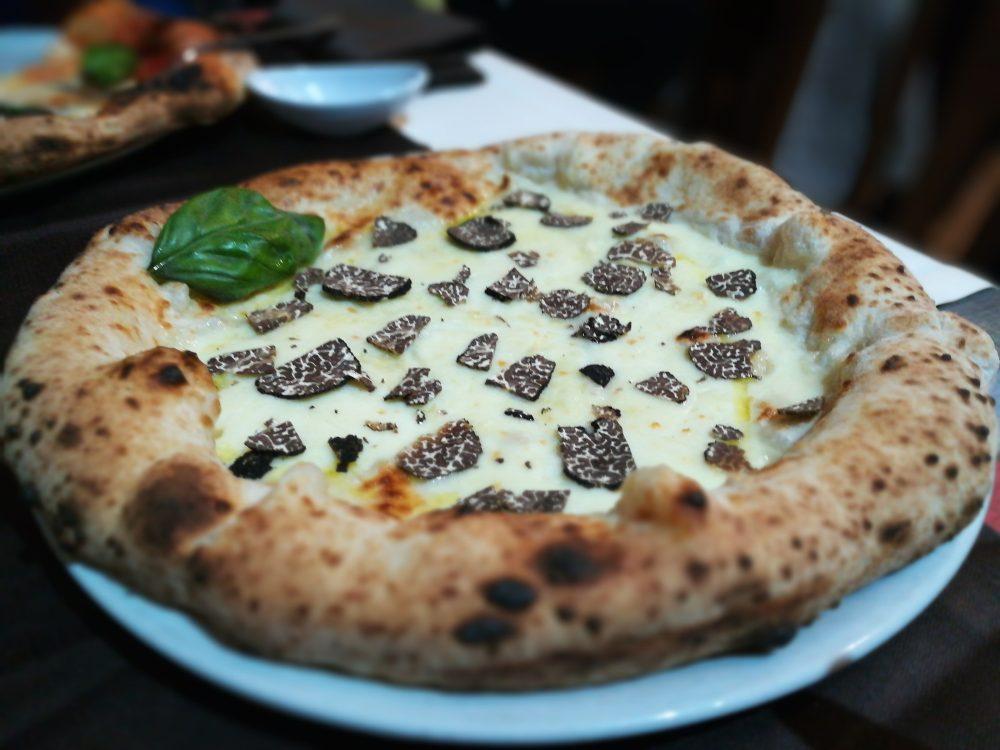Babalu' - Il CasaleIlo, La Pizza con Tartufo fresco