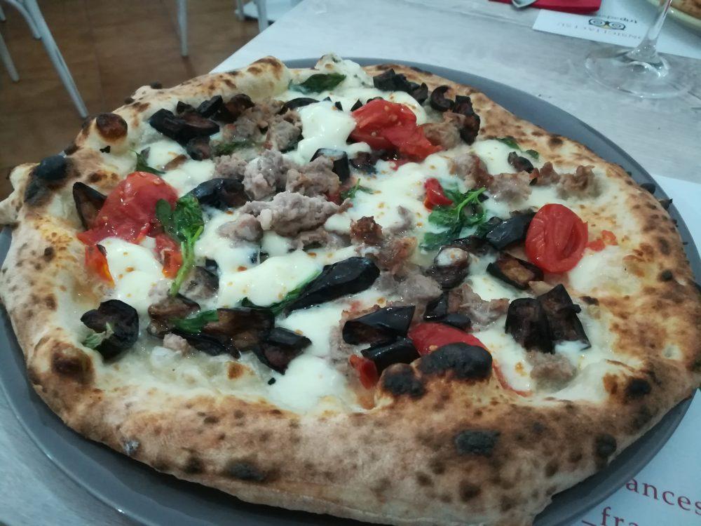 Pizzeria Francesco - Melanzane a funghetto, Salsiccia e Pomodorini del Piennolo Dop