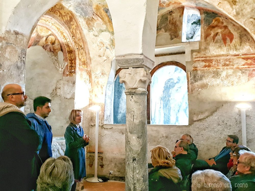 Saluto autorita' nella Chiesa di Santa Maria