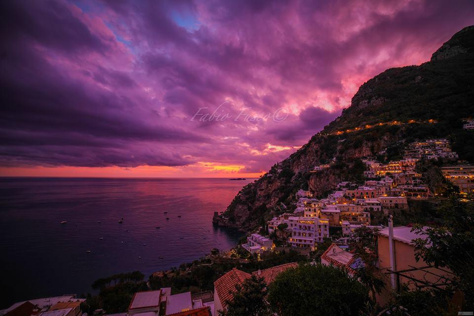 Tramonti in Costiera Amalfitana, la splendida foto e' di Fabio Fusco