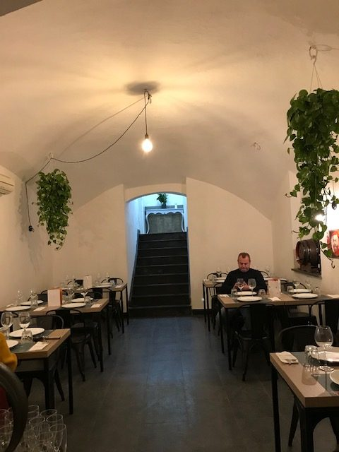 Vincenzo Capuano Pompei - Sala piano inferiore