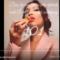 il video di Bella Khair Hadid su come mangiare la pizza senza far sbavare il rossetto