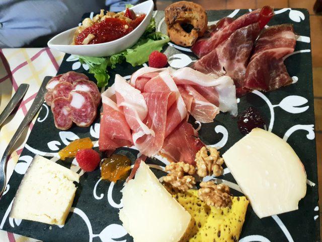 TerrAntica Braceria, Antipasto di salumi e formaggi