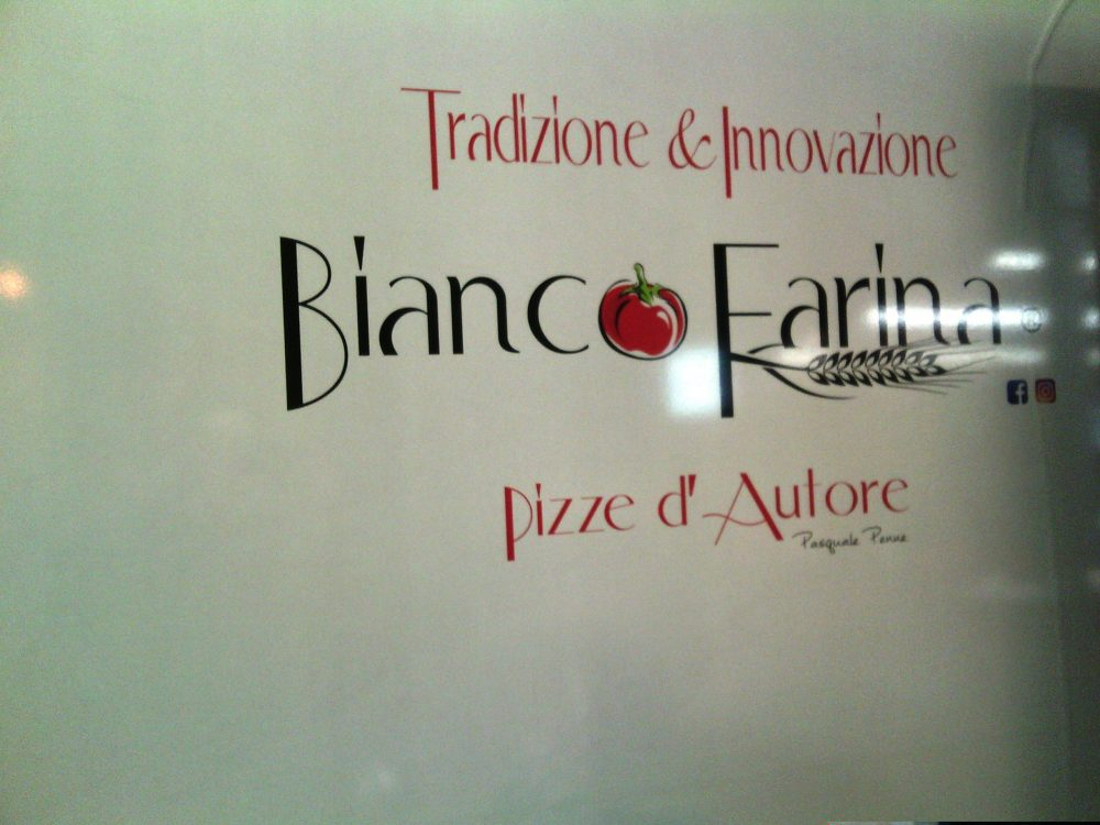 Bianco Farina, Il logo
