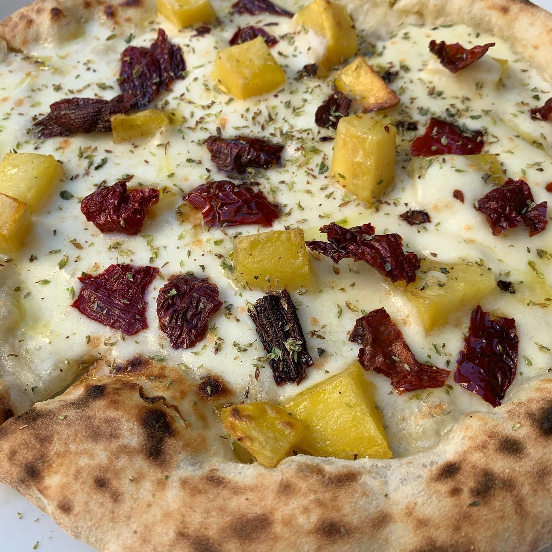 Resilienza, Pizza patate e peperoni cruschi