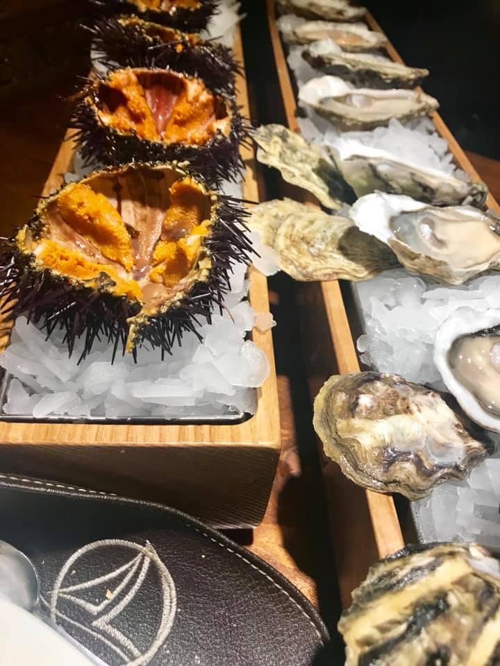 Punto nave, degustazione di ostriche e ricci di mare