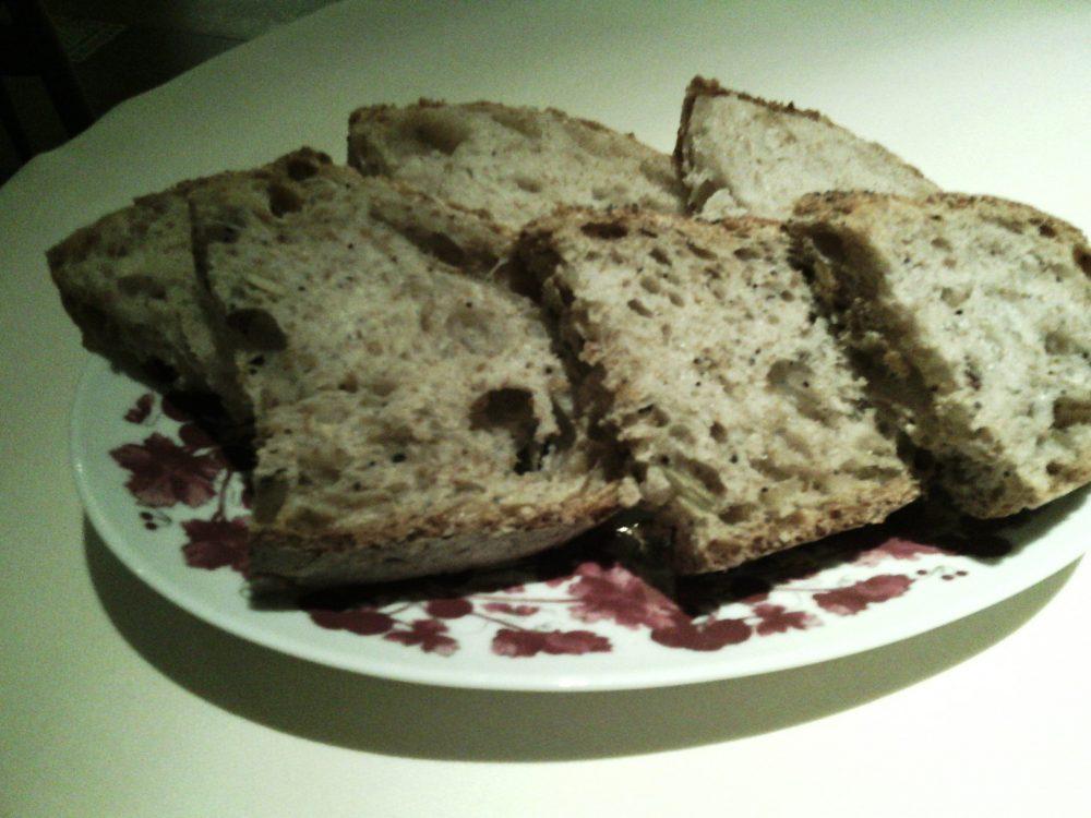 Tordomatto, Cestino con pane integrale e pane al sesamo
