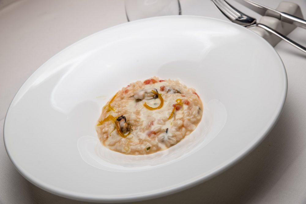 Risotti di Massimo Carleo - cozze con pomodoro al basilico-salsa affumicata-arancia candita