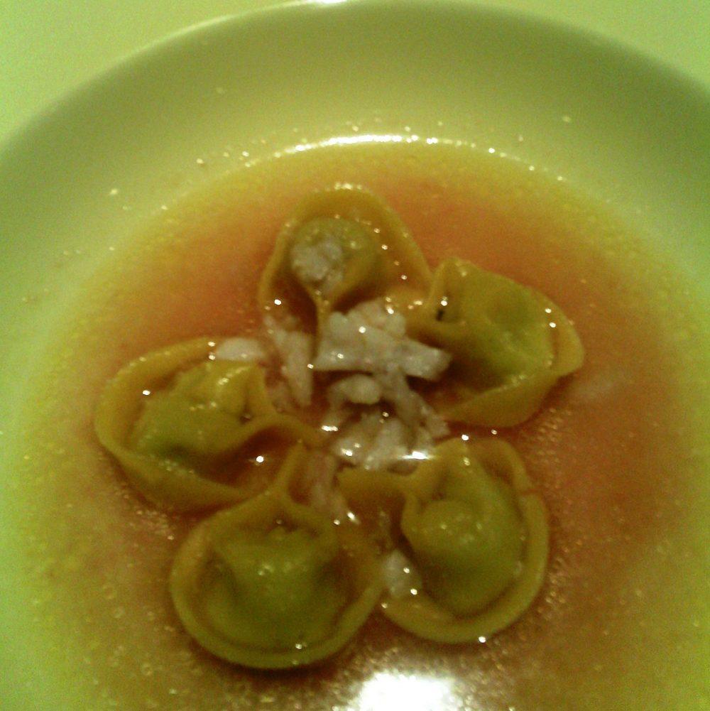 Tordomatto, Ripa grande - ravioli di broccoli in minestra di razza piccante