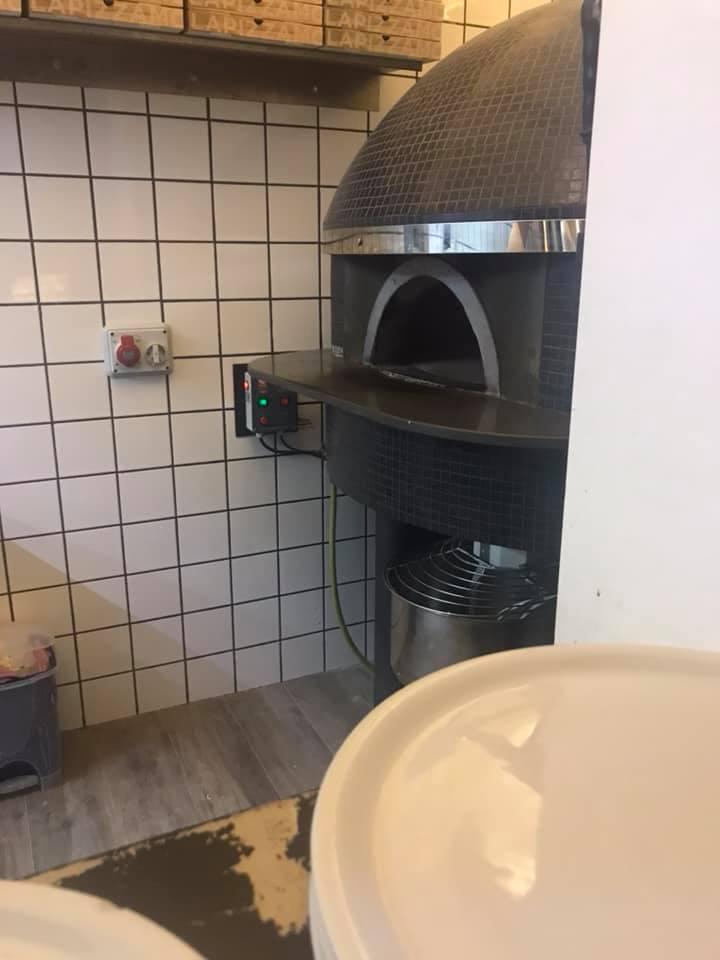 Retrobanco, il forno