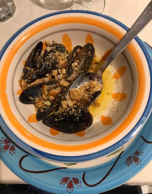 A Mare Osteria - Cozze con tarallo napoletano