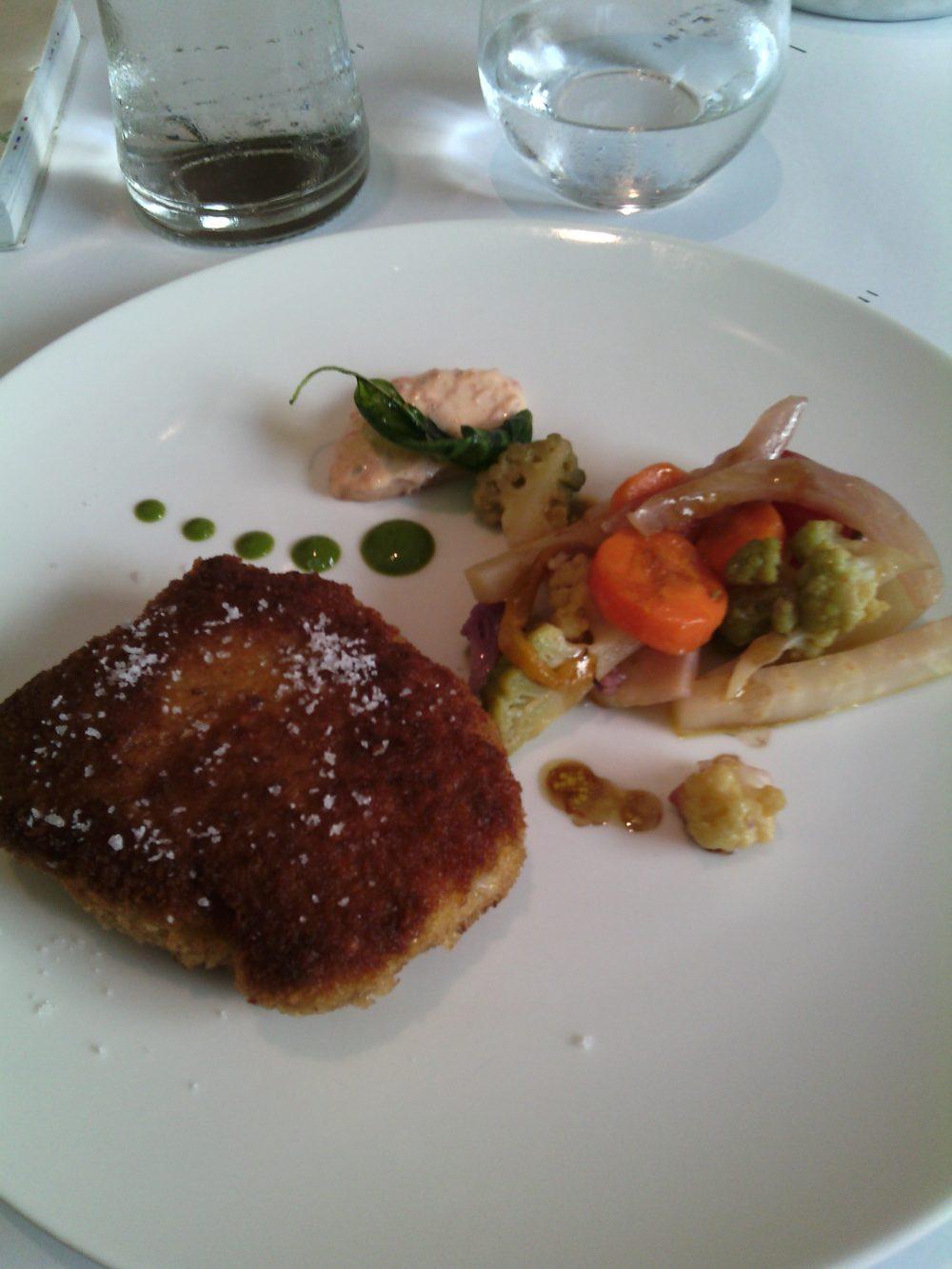 Perbellini, Milanese alla farina di fagioli, pane croccante, maionese di pomodori confit