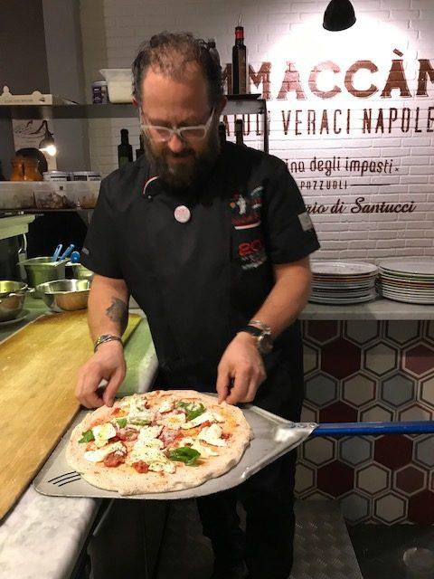 Pizzeria Ammaccamm - il Maestro Salvatore Santucci