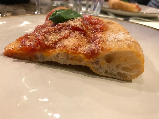 Pizzeria Ammaccamm - sezione della pizza Montanara Classica