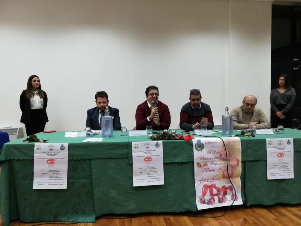 Presentazione La Pizza a Tramonti. da sinistra l'assessore Enzo Savino,Luciano Pignataro, Mario Amodio e il sindaco Giordano