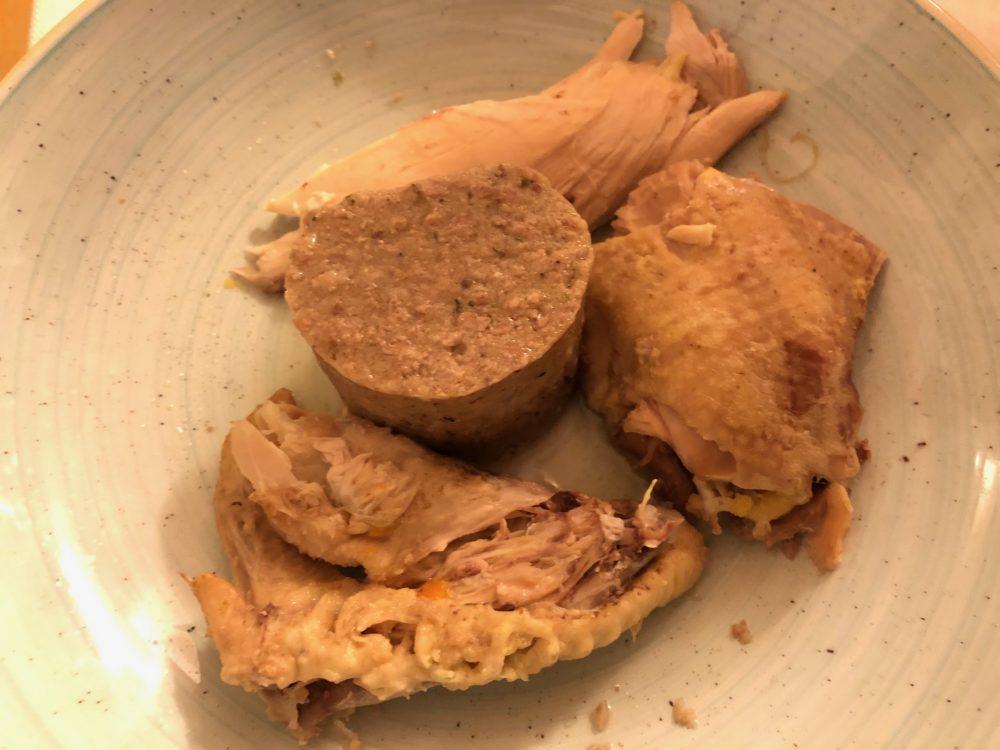 Trattoria Visconti, il servizio del bollito, la gallina con il suo ripieno