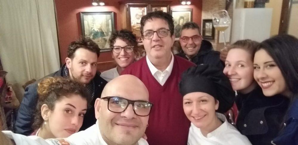 Super selfie con la famiglia Maiorano al completo: Trattoria San Francesco a Tramonti