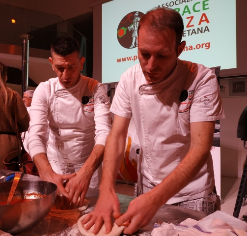 I pizzaioli dell'AVPN durante l'evento a Roma