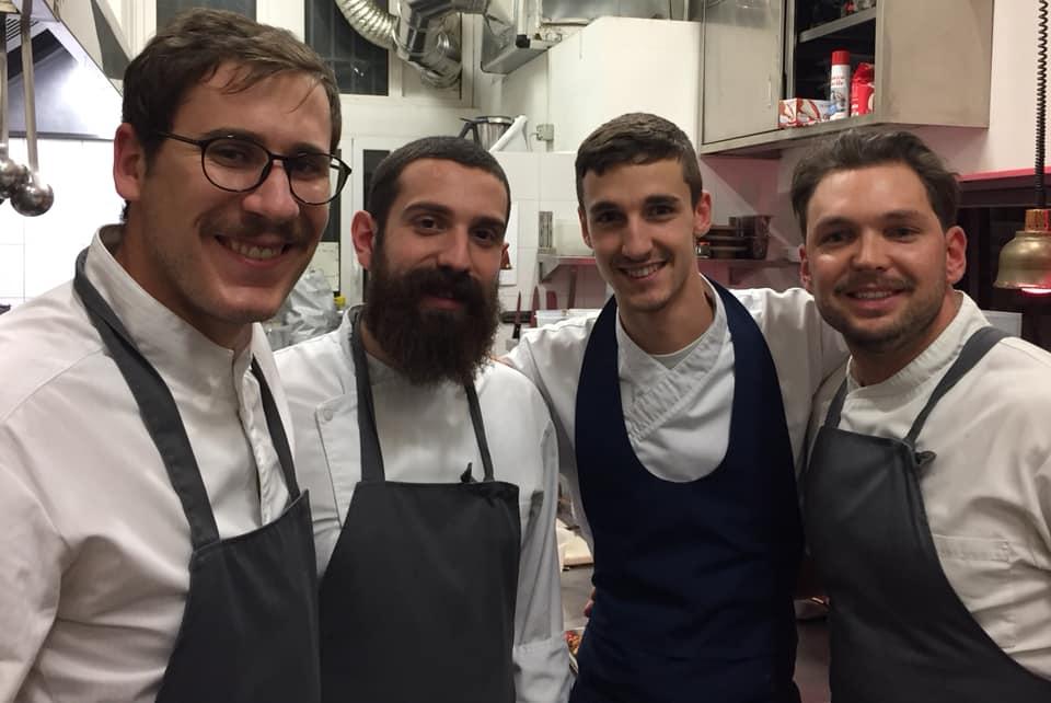 Marzapane, la squadra in cucina