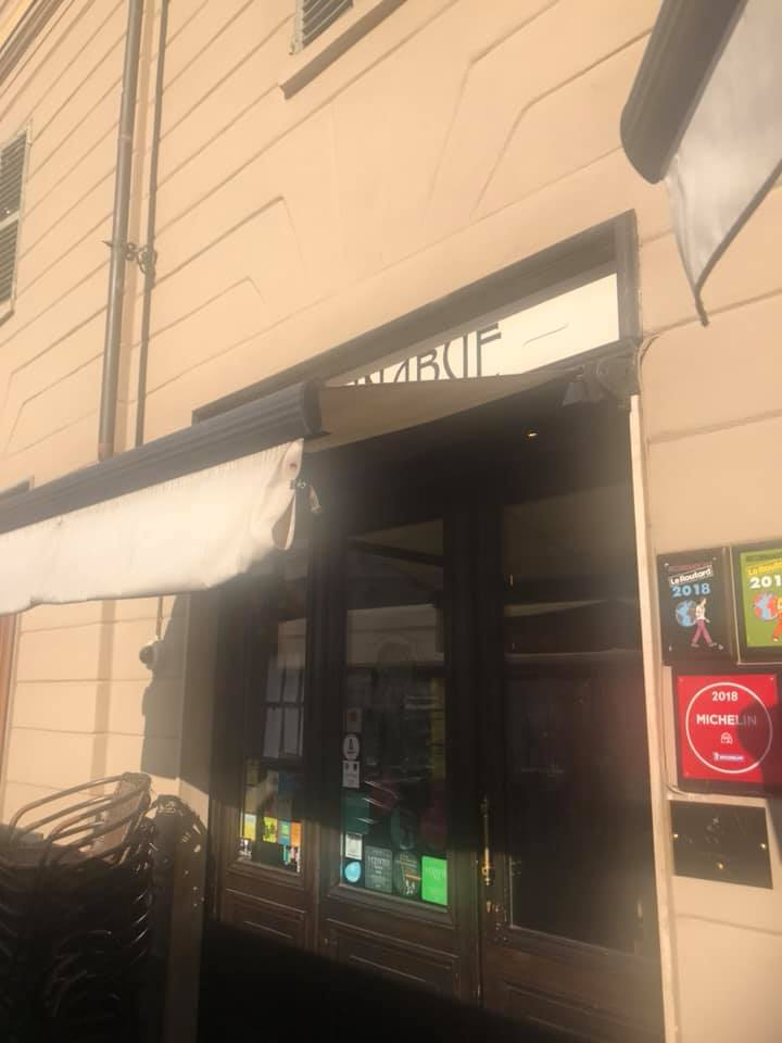 Scannabue a Torino, ingresso