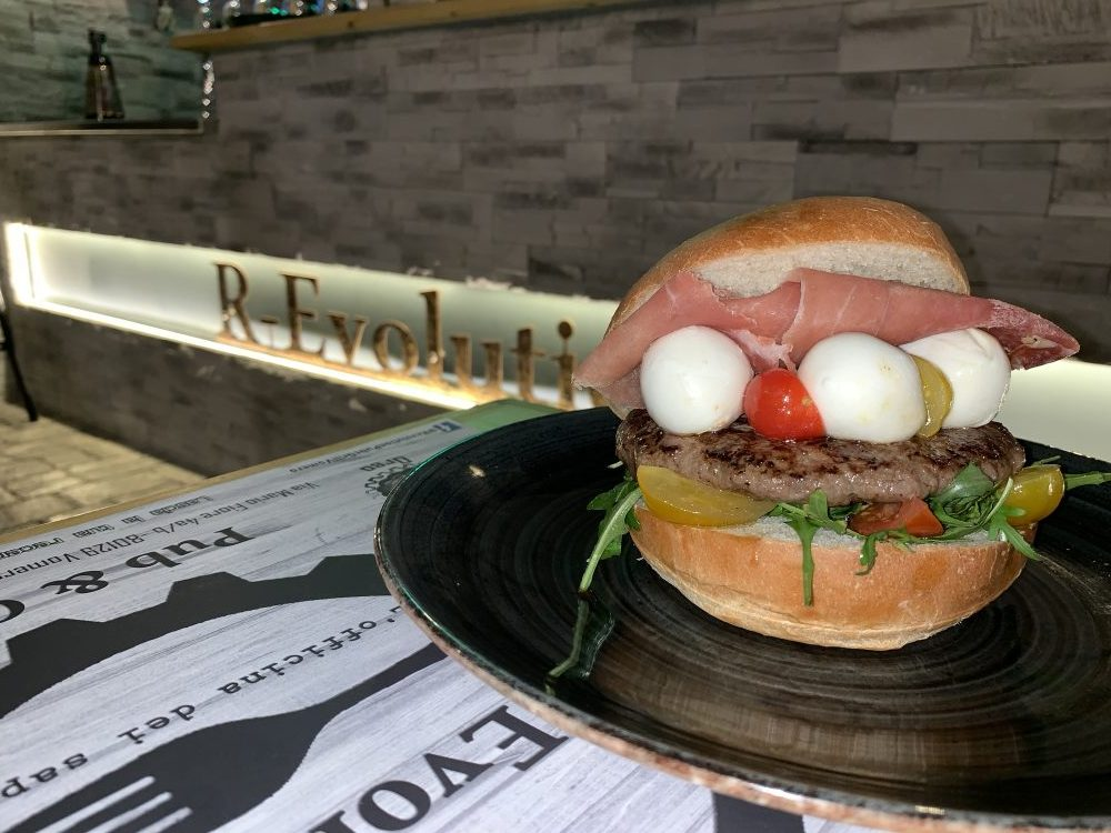 R-evolution - Bufalotto burger