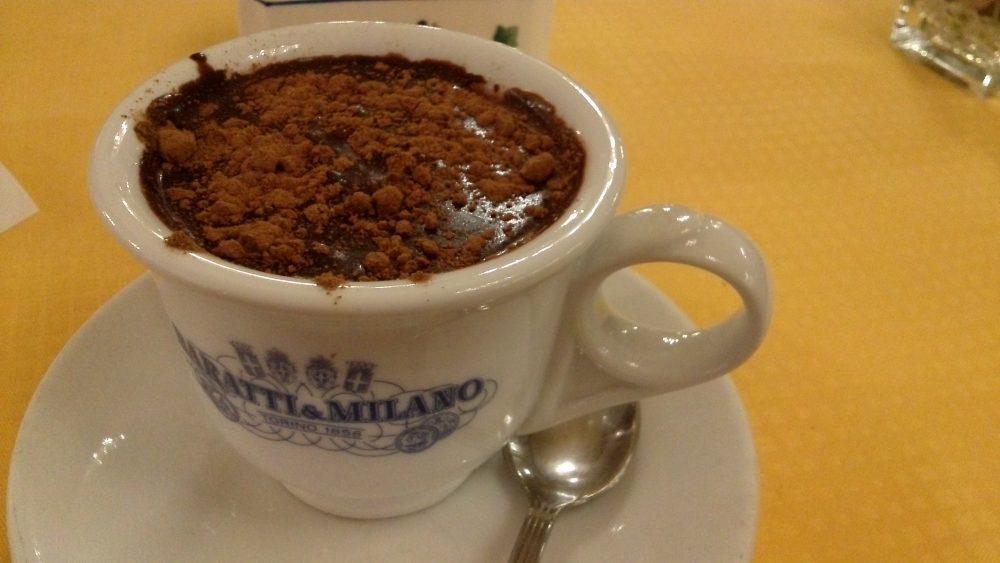 Baratti&Milano, la cioccolata in tazza arricchita da polvere di cannella