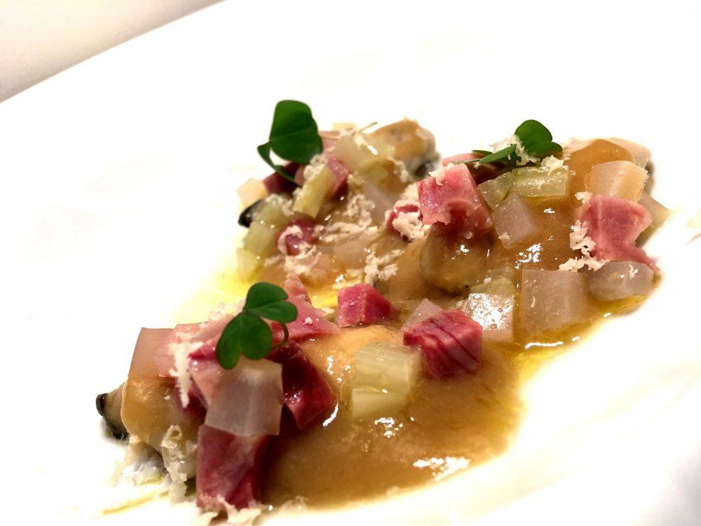 Veritas Restaurant - Ostriche con Pere e musso, coste di bieta, salsa di scalogno al Fiano e blu di bufala