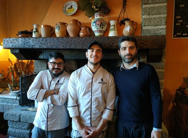 Hosteria Amedeo - Lo staff insieme a Emanuele Reali