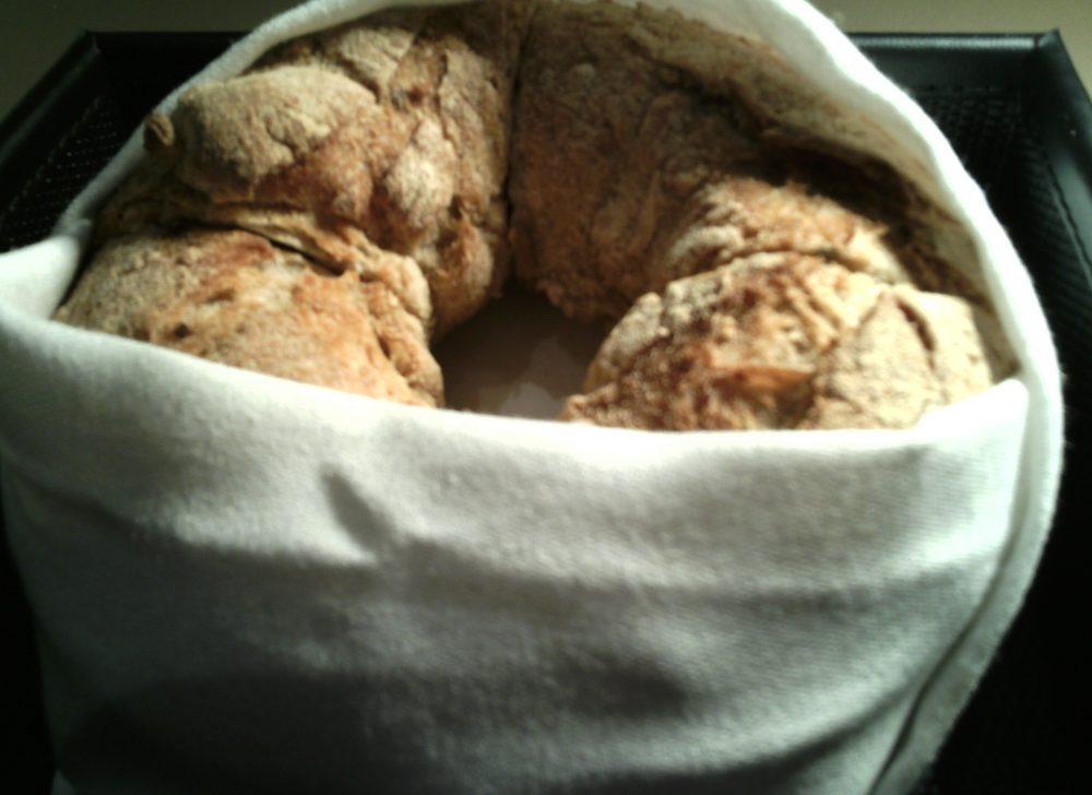 Identita' golose, pane al lievito madre e semi di sesamo