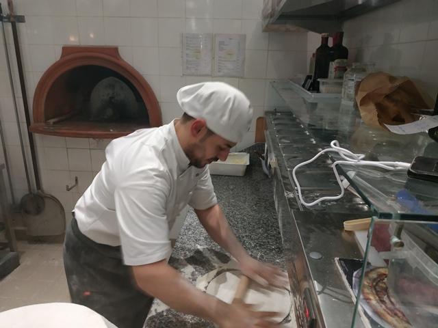La Pianetta - la stesura tradizionale con il mattarello