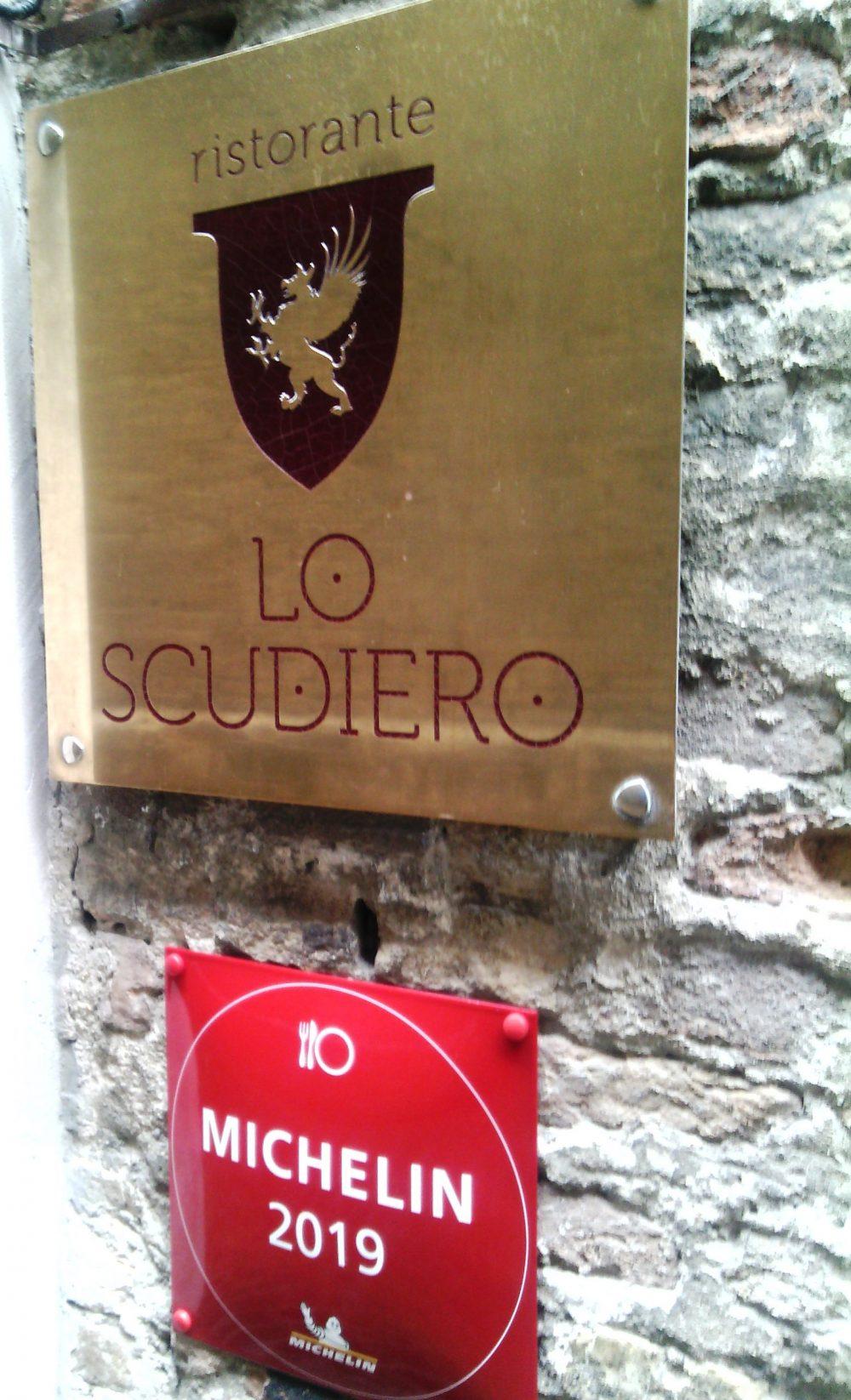 Lo Scudiero, l'istoriata insegna