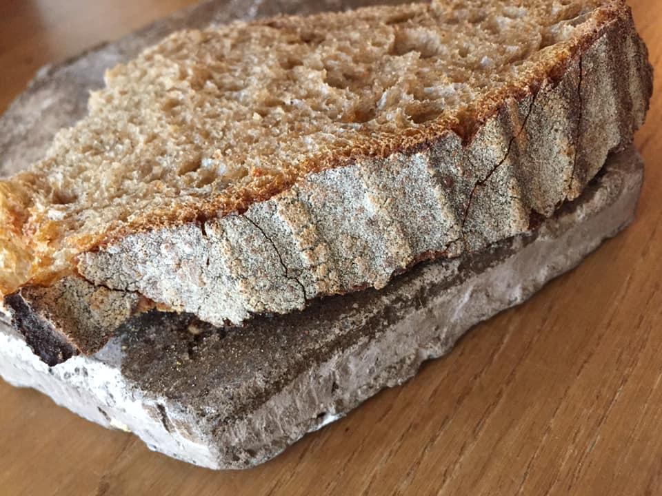 Marzapane a Roma, il pane ai cereali fatto in proprio