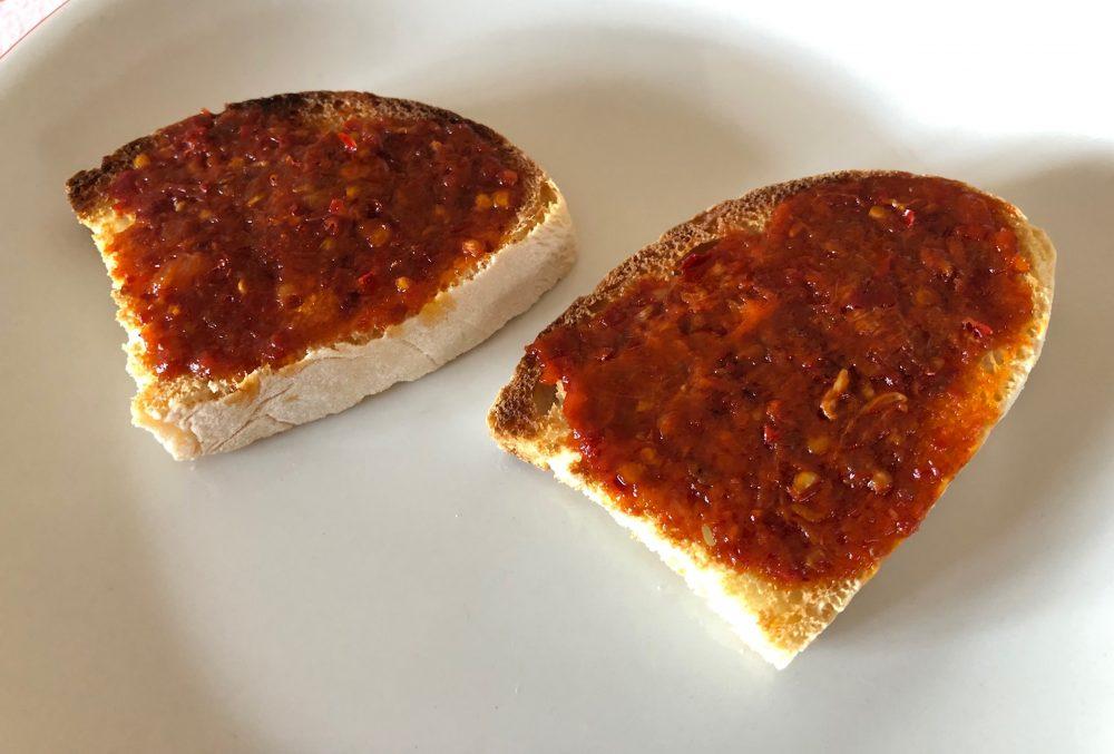 'Nduja e bruschette di pane toscano