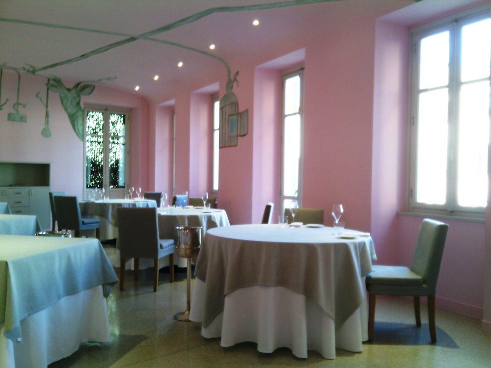 Piazza Duomo, la sala rosa