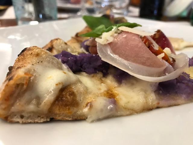 Pizzeria Daniele - sezione della pizza Violetta