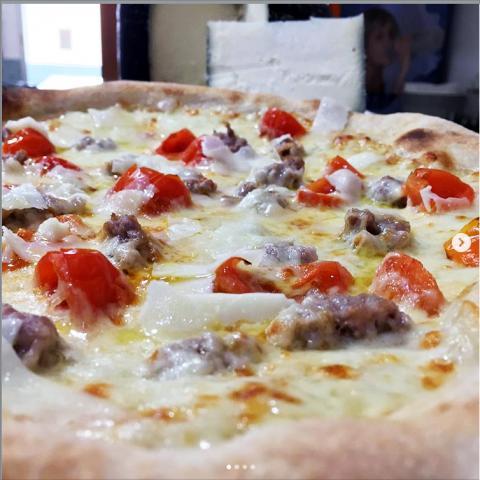 Pizza Pastorella della Pizzeria I Sapori del Sole