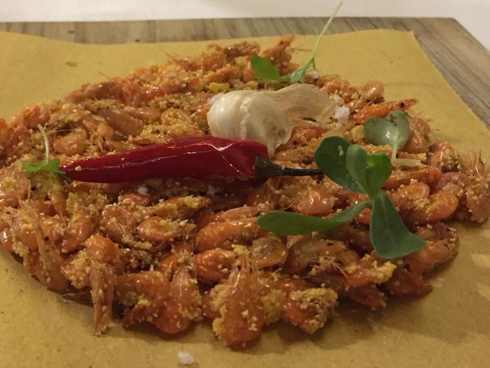 13 Salumeria e Cucina, gamberetti di fiume con farina di mais e peperoncino piccante