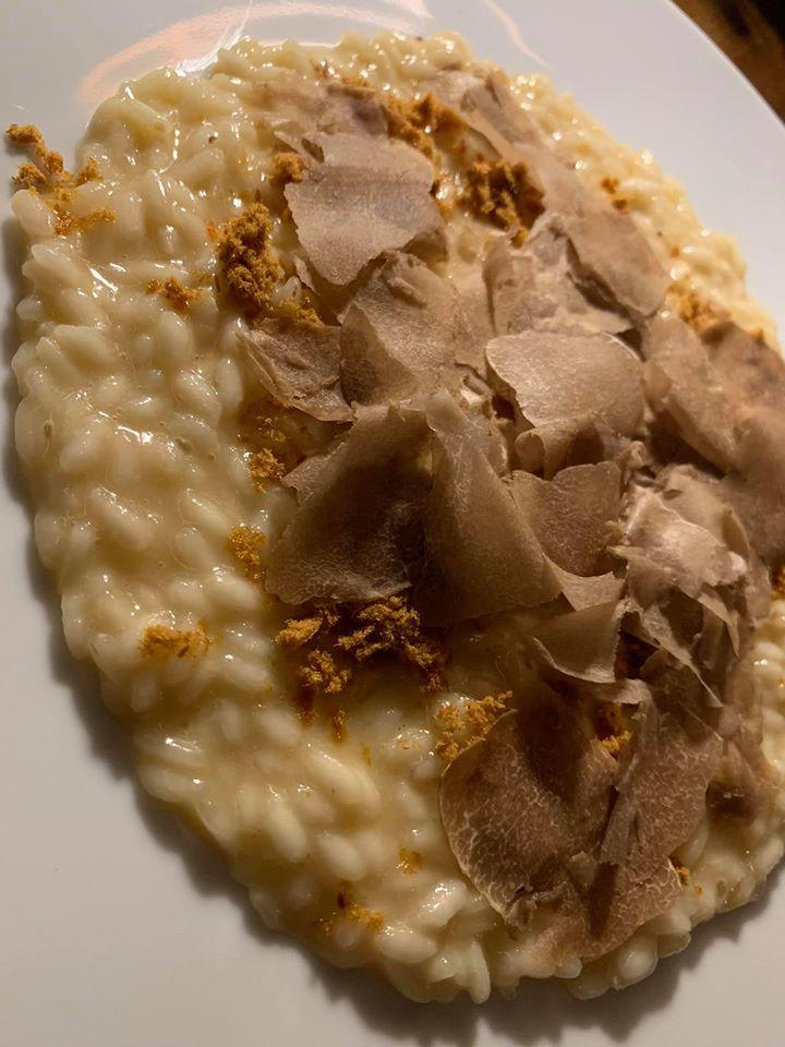 Caracol, riso con cipolla e tartufo bianco