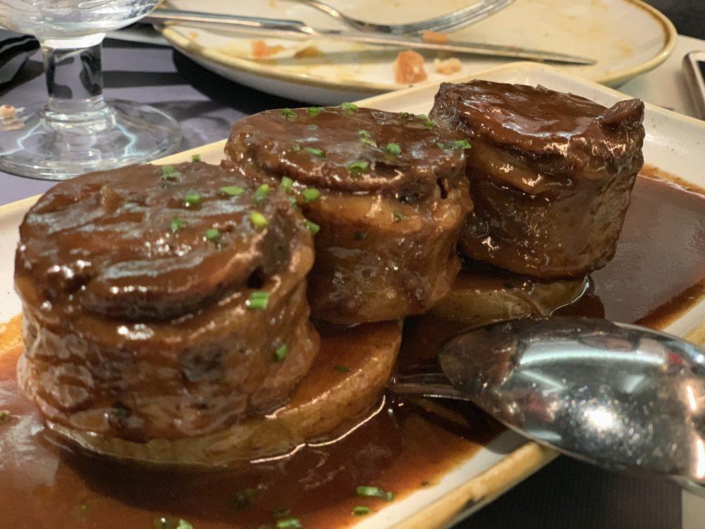 Coda di toro su patate