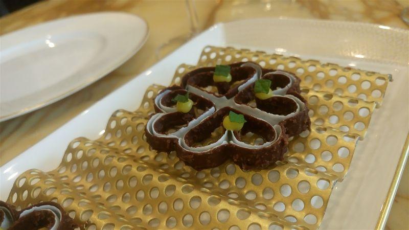 Cakes & Bubbles Londra Albert Adria cocco e cioccolato