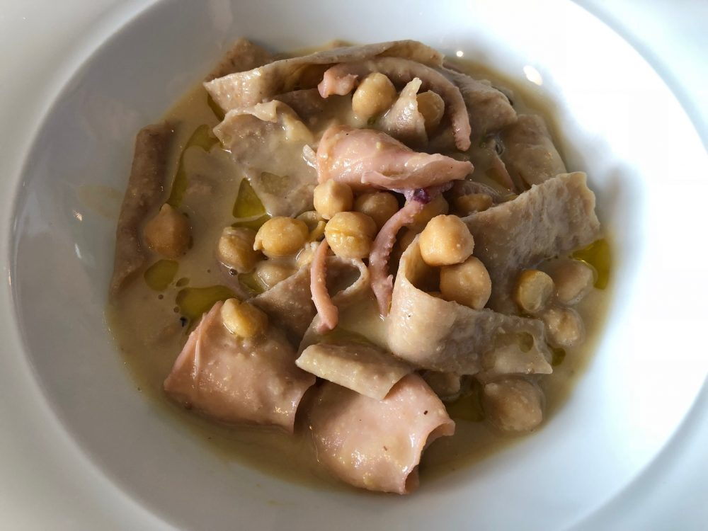 La Taverna del Mozzo, Marina di Camerota, chef Davide Mea, lagane semi integrali, ceci di Cicerale e totanetti locali