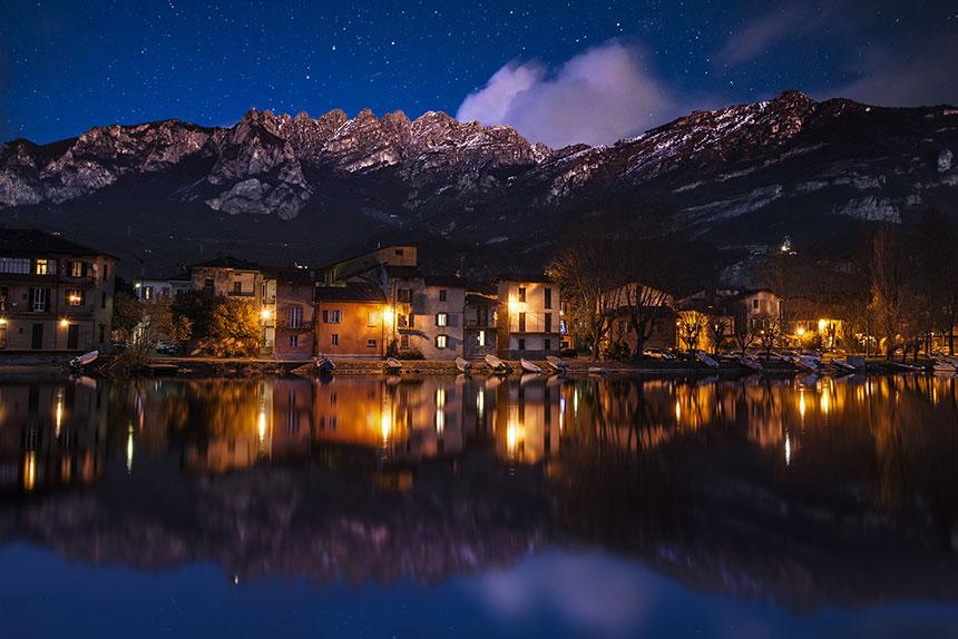 Pescarenico in notturna, by Mino Martignano
