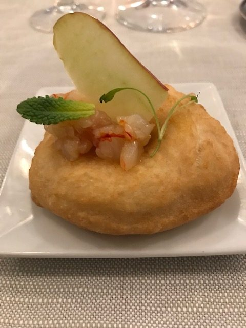 Ristorante Autentica - Montanarina fritta, farcita con battuto di gambero rosso e mela annurca