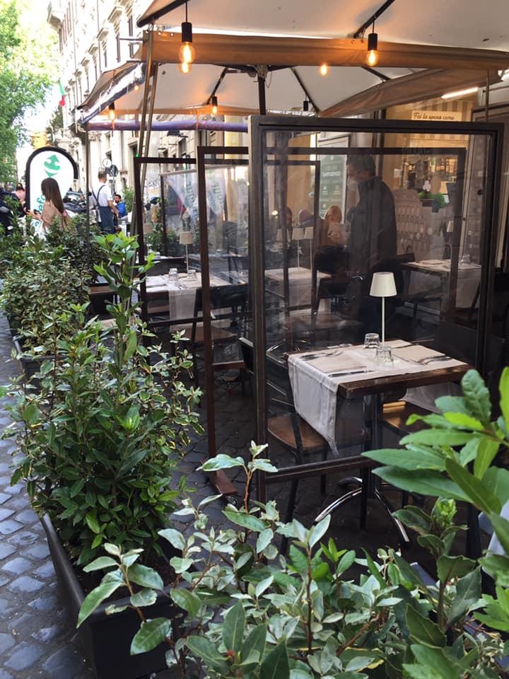 Roscioli ristorante i tavoli esterni