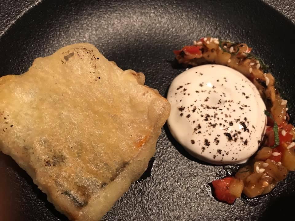 Sud ristorante, Sgombro in pastella, finocchietto e caponata di melanzane