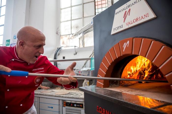 Corrado Scaglione, citta' della pizza