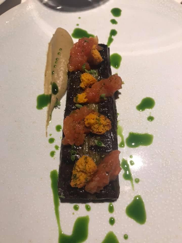Il Faro Di Capo D'orso, Bistecca di melanzana affumicata, chutney di pomodoro e jus di verdure alla griglia
