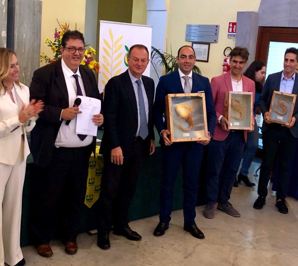 Piero Matarazzo tra i premiati della Sirena D'Oro con Luciano Pignataro